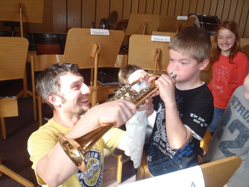 Besuch der Volksschule im Musikheim 2012